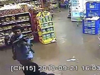 Imagen de uno de los terroristas captadas por las cámaras.