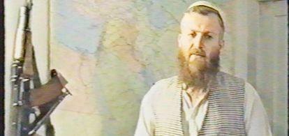 Mustafá Setmarian, en un vídeo de Al Qaeda.