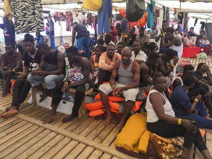 Las 121 rescatados permanecen en cubierta desde el 1 de agosto.