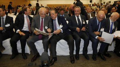 Un centenar de empresarios en el Palacio de Congresos en Roquetas de Mar (Almería).