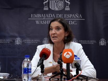 La ministra española de Industria, Comercio y Turismo, Reyes Maroto, este martes en la Embajada de España en Washington.