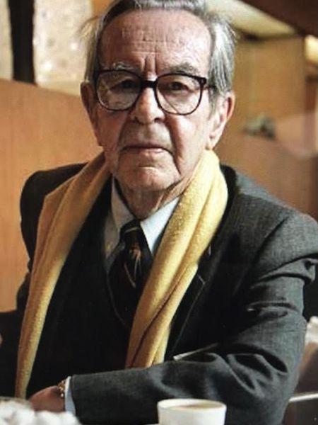 Fotografía reciente del poeta Enrique de Rivas Ibáñez.