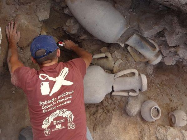 Hallazgo de ánforas romanas en el yacimiento de Libisosa.