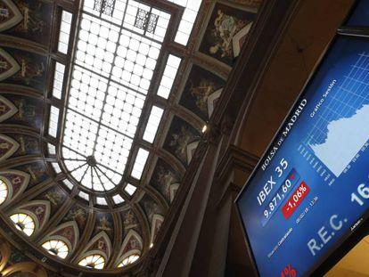 Paneles en la sede de la Bolsa de Madrid.