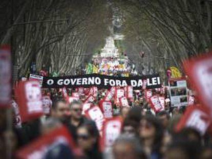 Manifestación convocada por los sindicatos de CGTP y STAL contra las medidas de austeridad del gobierno, en Lisboa, Portugal. EFE/Archivo