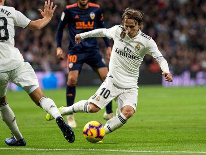Modric, durante el partido ante el Valencia.
