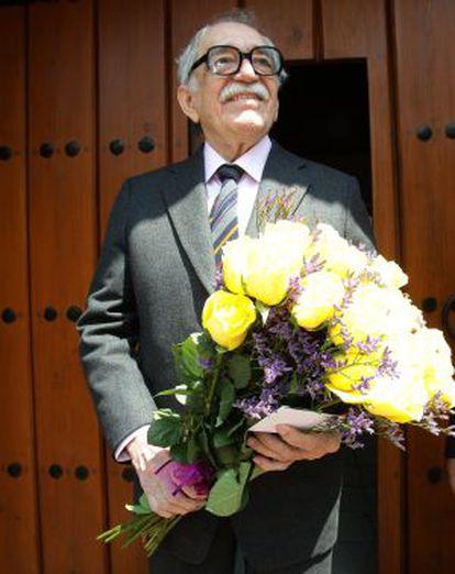 El escritor Gabriel García Márquez, en su casa de México.