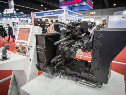 Un cañón fabricado por la empresa turca Aselsan se expone en una feria de armamento celebrada en noviembre pasado en Bangkok (Tailandia).