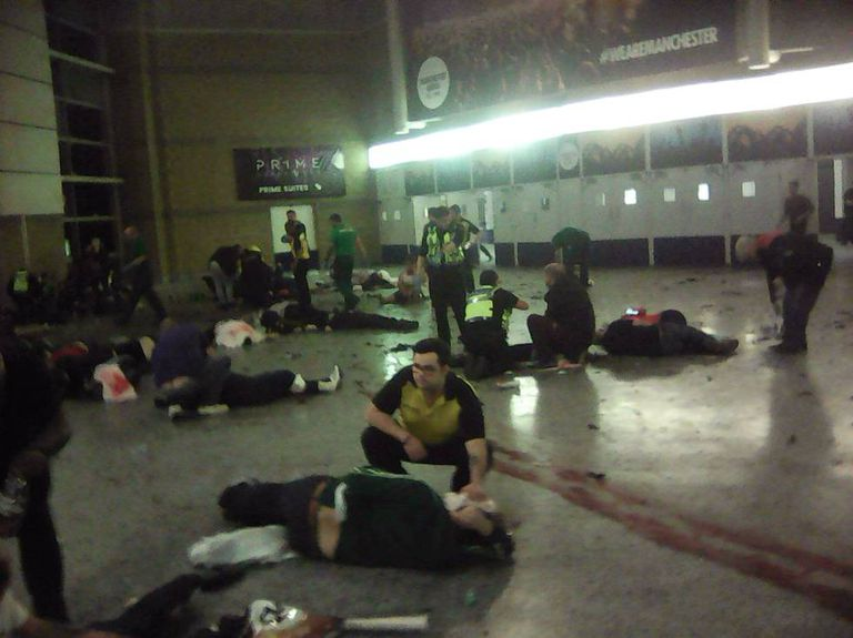 Heridos en el interior del Manchester Arena.