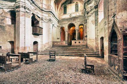 Iglesia abandonada de Santa Rita, en Italia.