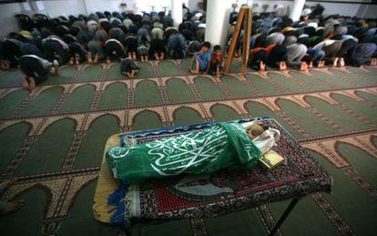 Funeral de una niña de dos años muerta durante un ataque sobre Gaza.