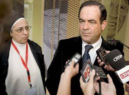 José Bono, ayer, tras clausurar el Congreso de Escuelas Católicas.