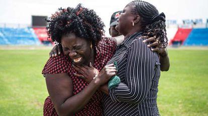 La Cruz Roja asiste a familiares de las víctimas de Garissa.