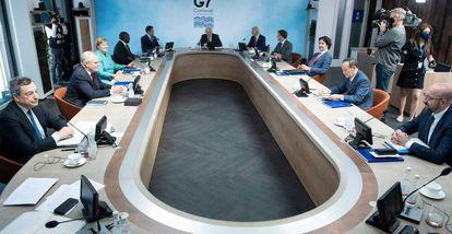 Reunión de trabajo de los líderes del G-7, este domingo durante la cumbre que se celebra en Cornualles.