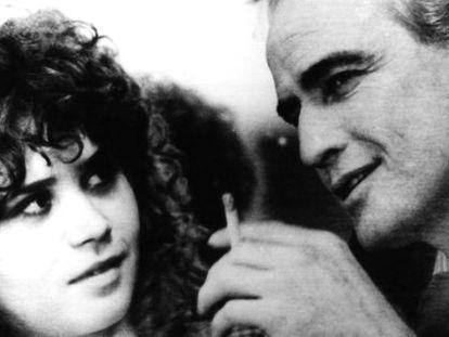 Maria Schneider y Marlon Brando, en una escena de 'El último tango en París', de Bertolucci.