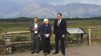 Janet Yellen, Mario Draghi y Haruhiko Kuroda, entonces máximos responsables de la Reserva Federal, del BCE y del Banco de Japón, en Jackson Hole en 2017.