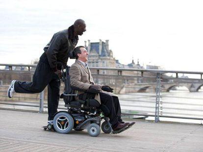 Omar Sy (izquierda) y François Cluzet, en el filme.