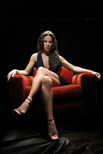 La actriz mexicana Kate del Castillo protagoniza la serie <i>Reina del Sur</i>, basada en la novela homónima de Arturo Pérez-Reverte