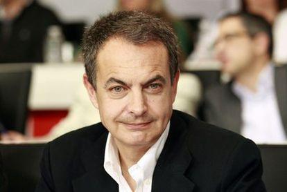 El presidente del Gobierno, José Luis Rodríguez Zapatero, durante la reunión del comité federal del PSOE en el que ha anunciado que no se presentará a la reelección en 2012.