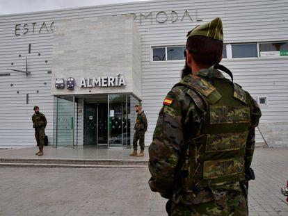 La Brigada de la Legión en labores de vigilancia en Almería.