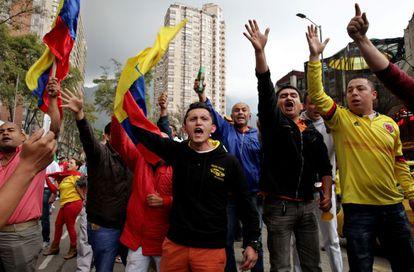 Taxistas en una protesta contra Uber en Bogotá. Hoy hay convocado un paro nacional en Colombia.
