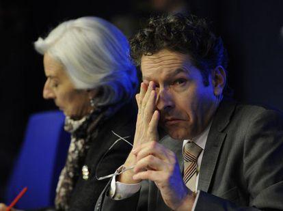 El presidente del Eurogrupo, Jeroen Dijsselbloem, y la directora del FMI, Christine Lagarde, tras la reunión sobre Chipre.