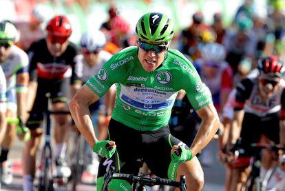 Jakobsen se hace increíble Hulk para celebrar su tercera victoria en la Vuelta.