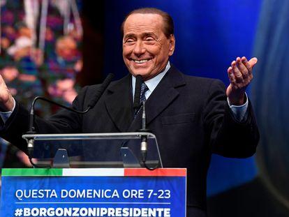 El ex primer ministro, Silvio Berlusconi, en un mitin el pasado enero, en Emilia Romaña.