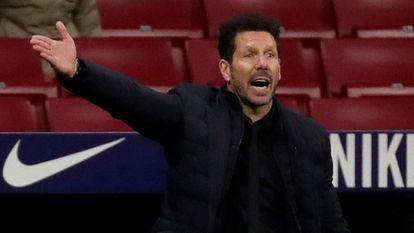 Simeone, en el partido ante el Barcelona en el Wanda Metropolitano.