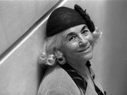 La escritora Carmen Martín Gaite, en Barcelona en 1998.