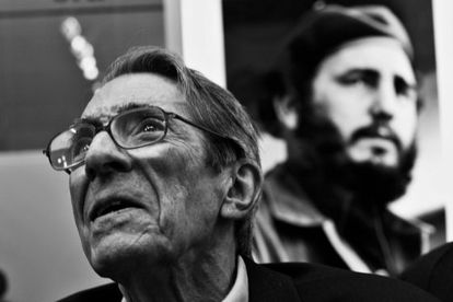 Enrique Meneses, retratado durante la inauguración de una exposición sobre Cuba en diciembre de 2008.