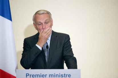France's Prime Minister Jean-Marc Ayrault holds a press conference focusing on the European treaty, September 19, 2012 in Paris. France's Socialist-led government kickstarted ratification on Wednesday of a European Union budget discipline pact it grudgingly accepts as the next step out of the euro zone debt crisis.    REUTERS/Martin Bureau/Pool    (FRANCE - Tags: POLITICS)