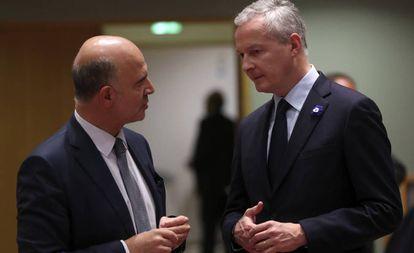 El ministro Bruno Le Maire (derecha), junto a Pierre Moscovici.