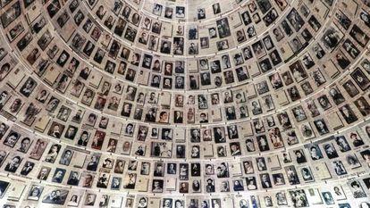 Cúpula con los nombres de víctimas del Holocausto, en el Yad Vashem.