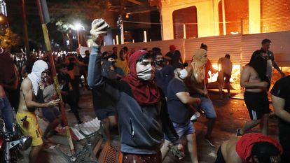 Una imagen de las protestas en Asunción (Paraguay) en contra del Gobierno de Mario Abdo Benítez.