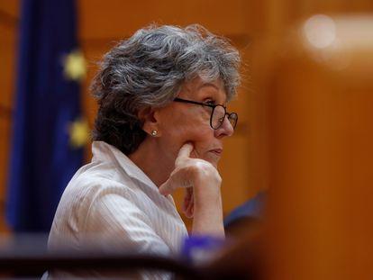 La administradora provisional única para la Corporación RTVE, Rosa María Mateo, durante su comparecencia periódica ante la Comisión Mixta de Control Parlamentario de la Corporación RTVE y sus sociedades, este viernes en el Senado.