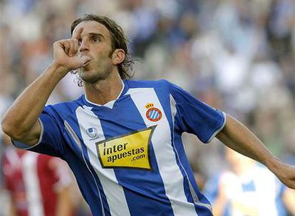 Iván Alonso celebra su primer tanto ante el Tenerife.