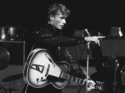 El cantante francés Johnny Hallyday, en septiembre de 1960.