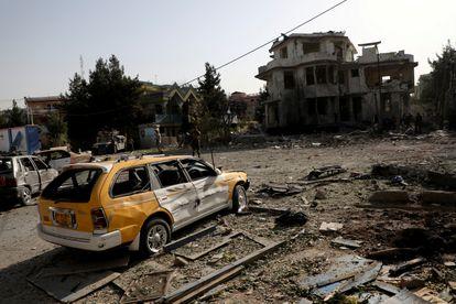 Daños causados por una bomba esta semana en Kabul.