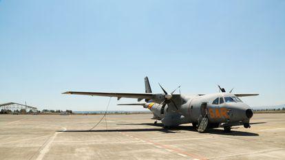El avión español desplegado en la Operación Sophia en la base aérea italiana de Sigonella, en Sicilia.