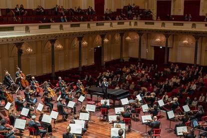 Gimeno dirige a la Royal Concertgebouw de Amsterdam.
