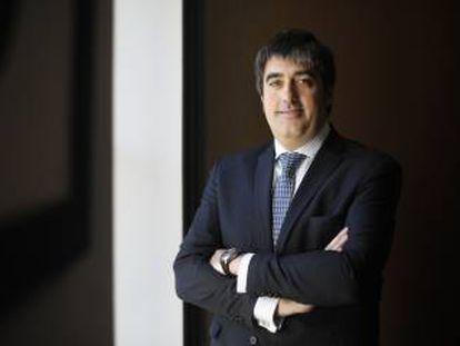 Carlos Aso posa en las oficinas de Andbank en Madrid antes de la entrevista.