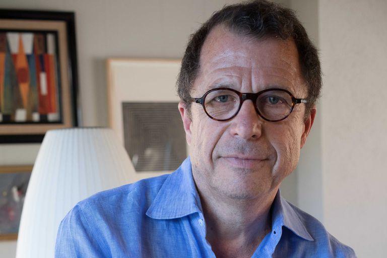 Sebastián Edwards Figueroa, es un economista, consultor internacional y escritor chileno, catedrático de la Universidad de California en Los Ángeles.