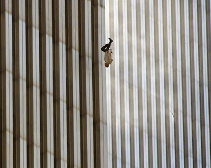 La historia detrás de la imagen icónica de los atentados, en el documental '9/11: El hombre del aire'.