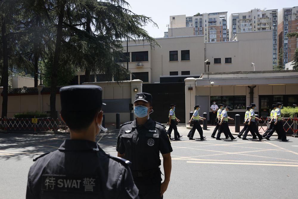 China asume el control del consulado estadounidense en Chengdu