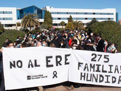 Concentración en el campus de la Universidad Europea de Madrid contra el ERE previsto, el 18 de enero.