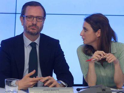 Javier Maroto y Andrea Levy durante la reunión del Comité Ejecutivo Nacional del PP. En vídeo, el PP busca recomponerse tras la debacle electoral.