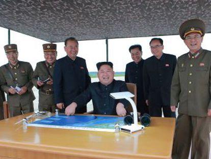 Seúl y Tokio apuestan por una presión  extrema  sobre el régimen, mientras China trata de mediar
