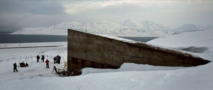 Vista exterior de la entrada al 'arca de las semillas' en el archipiélago noruego de Svalbard.