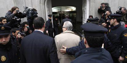 El juez Baltasar Garzón entra al Tribunal Supremo.